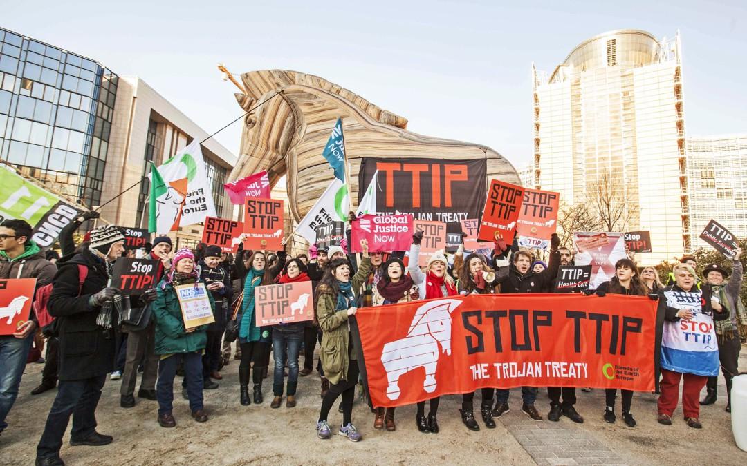 La sociedad civil se organiza para enfrentar el TTIP