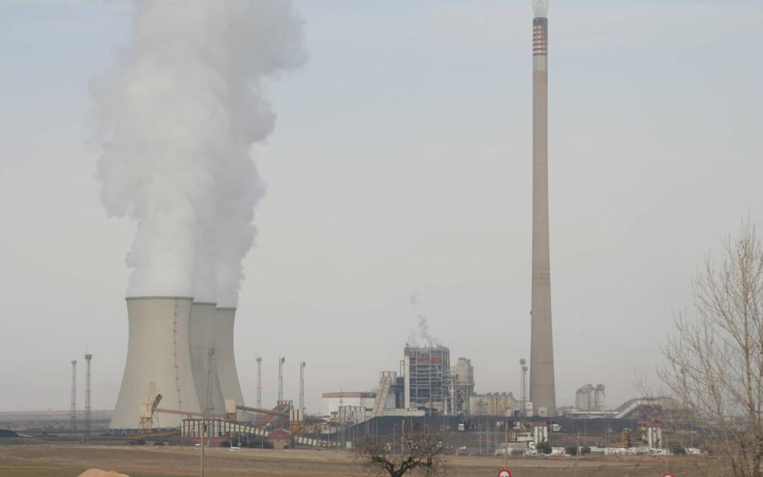 Denuncian la sustitución de carbón por coque de petróleo en Central térmica de Andorra